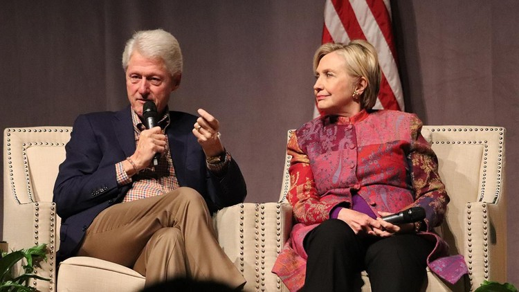 Opinion: Hillary is toast: Scandals finally catch up with Clintons — Fox News