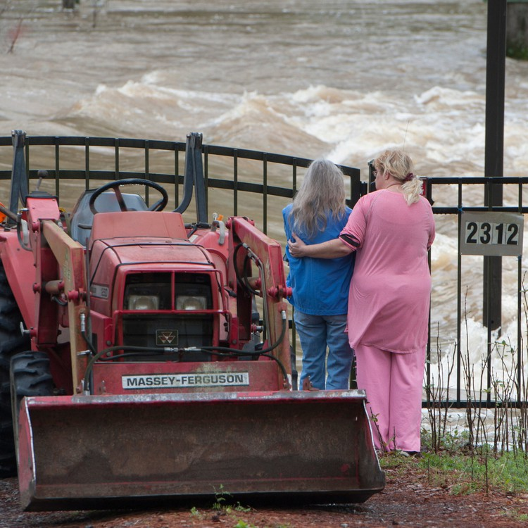 """""""Historic, unprecedented"""" flooding swamps southern U.S. — USA TODAY"""