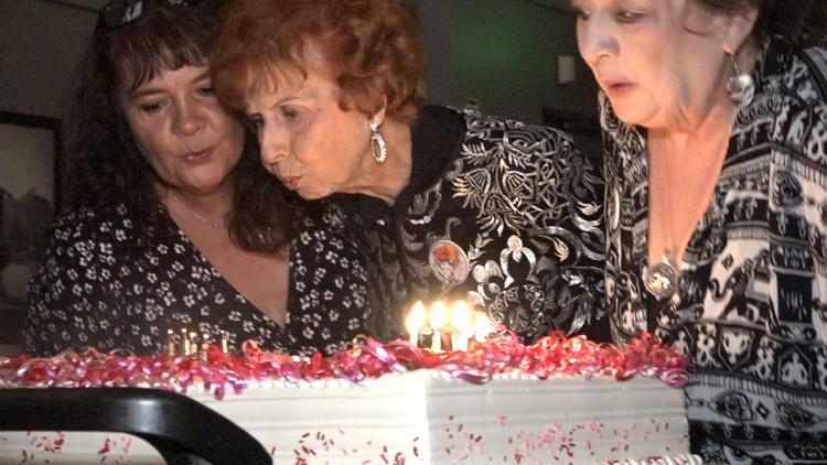 Last Rosie the Riveter, Elinor Otto, celebrates 100th birthday in Long Beach