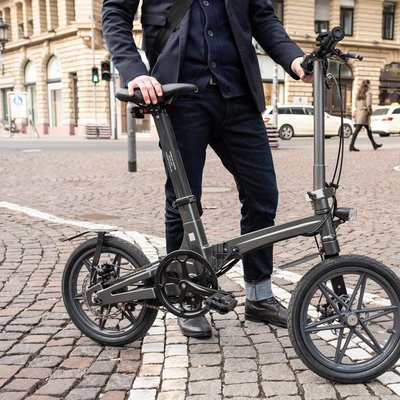 This is the world's lightest folding electric bike — Red Bull
