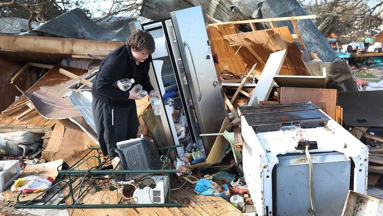 No food, no FEMA: Hurricane Michael's survivors are furious — The Daily Beast