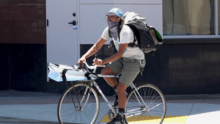 Bike delivery service rolls into high gear in Long Beach amid pandemic — ABC7 Los Angeles
