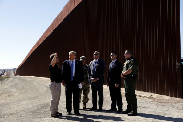 Climber, 8, tackles replica of Trump's 'virtually impenetrable' border wall — CTV News