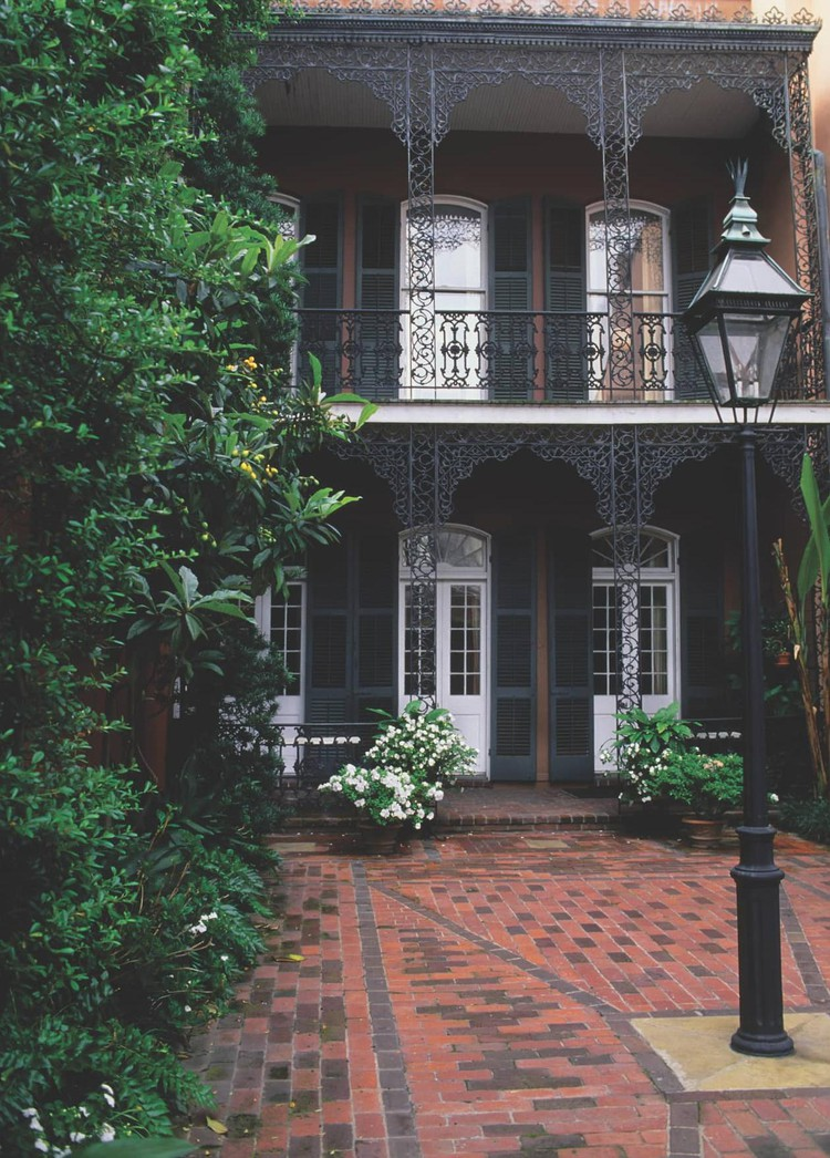 A Girls Trip Guide to New Orleans — ZOOMER