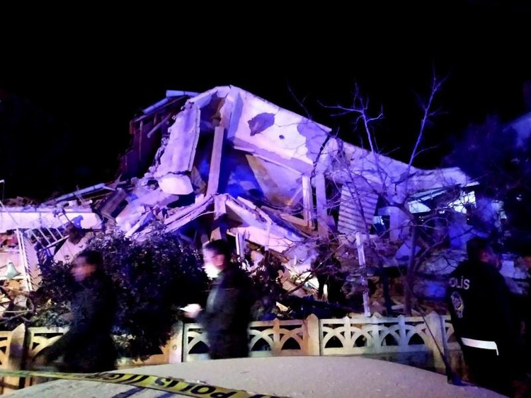 Powerful earthquake jolts eastern Turkey, killing 18