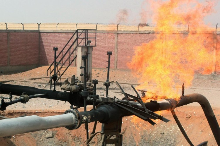 Masked gunmen blow up Israel-Egypt gas pipeline in Sinai, supply not affected